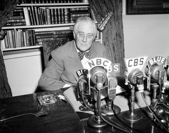 """the first fireside chat of franklin delano roosevelt """"you have a marvelous radio voice, distinct and clear"""": the public responds to fdr's first fireside chat president franklin d roosevelt made a total of 31 fireside chats from the initial."""