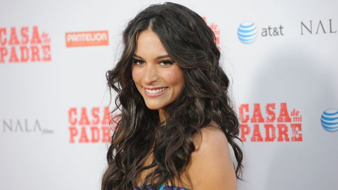 Who Is Genesis Rodriguez From Will Ferrell S Casa De Mi