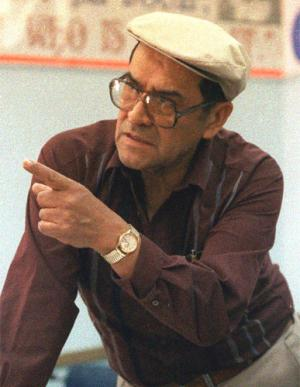 jaime escalante Please consider donating today  jaime escalante was born on december 31,  1930 in la paz, bolivia to 2 teachers  jaime escalante is my hero because he  gave kids from a bad area a brighter future by teaching them the.